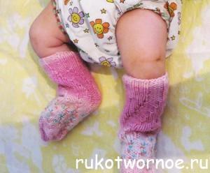 Спиральные носки спицами. Носки без пятки. Вязание первых носков. Описание